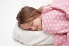 毛布とブランケット、タオルケットの違いと使い分け方。