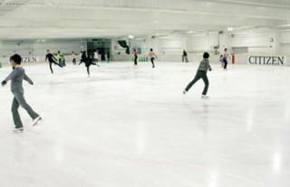 シチズンプラザのスケートリンクの混雑状況と周辺グルメ情報!