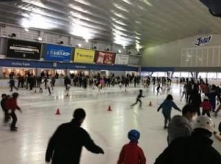 明治神宮外苑のアイススケート場の混雑状況や口コミ、厳選周辺情報!