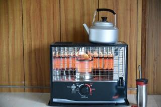 暖房器具、ガスと電気、灯油の比較!【安いのはどちら?】
